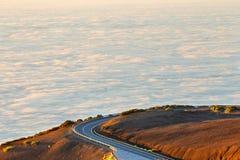 向El泰德峰火山的路在日落在特内里费岛 库存照片