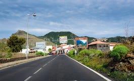 向Masca镇的柏油路在特内里费岛海岛,西班牙上 库存图片