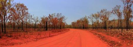 向Nourlangie的路, kakadu国家公园,澳大利亚 库存照片
