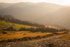 向Transalpin的路在一个夏天晴天 库存照片