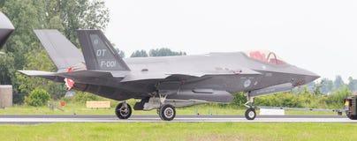 吕伐登,荷兰- 2016年6月10日:在r的荷兰F-35 免版税图库摄影