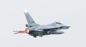 吕伐登,荷兰- 2016年6月11日:荷兰F-16战斗机j 库存照片
