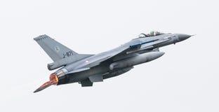 吕伐登,荷兰- 2016年6月11日:荷兰F-16战斗机j 免版税库存图片