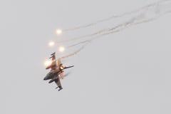 吕伐登,荷兰- 2016年6月11日:荷兰F-16战斗机j 图库摄影