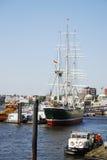 吠声有历史被上船桅的三 库存照片