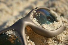 含沙太阳镜 免版税库存照片