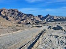 含沙未铺砌的路 免版税库存照片