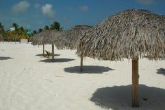 含沙海滩的海洋 图库摄影