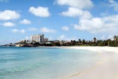 含沙海滩的海洋 库存图片