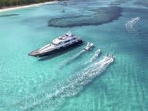 含沙脚趾海岛,巴哈马看法靠岸 免版税图库摄影