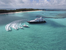 含沙脚趾海岛,巴哈马鸟瞰图靠岸 免版税图库摄影