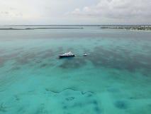 含沙脚趾海岛,巴哈马鸟瞰图靠岸 图库摄影