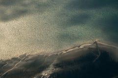 含白云石的湖 免版税库存照片