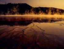 含硫&酸性热水水池Yellowstane 免版税库存图片