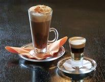 含酒精成分的coctails咖啡 免版税库存图片