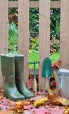 启动和园艺工具秋天 库存图片