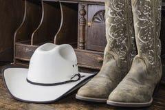 启动牛仔帽 免版税库存图片
