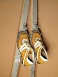 启动老滑雪滑雪 免版税图库摄影