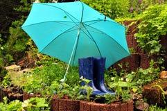 启动雨橡胶伞 图库摄影
