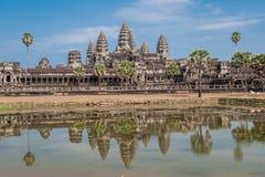 吴哥窟在暹粒市,柬埔寨吴哥窟是复杂最大的印度寺庙和最大的宗教纪念碑在世界上 免版税库存图片