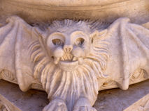 吸血蝙蝠在圣玛丽少校或里斯本大教堂家长式大教堂里  免版税图库摄影