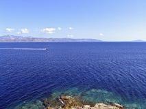 吹了爱琴海,基克拉泽斯, 免版税库存照片