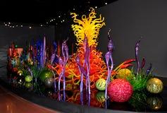 吹制玻璃球形在不同颜色、Chihuly庭院和玻璃博物馆 库存图片