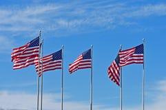 吹在风的美国国旗行  图库摄影