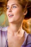 吹的头发风妇女 图库摄影