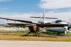 吹笛者L-14军队在飞行表演期间的巡洋舰航空器 免版税库存图片