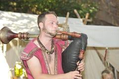 吹风笛者,中世纪节日,纽伦堡2013年 免版税库存图片