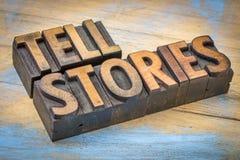 告诉在木类型的故事词 免版税库存图片