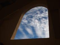 周到的天空墙壁 免版税库存图片
