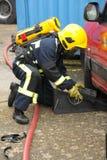 呼吸的消防队员齿轮 免版税库存照片