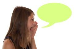 呼喊与讲话泡影和copyspace的女孩 免版税库存图片