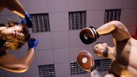 命中的特写镜头,执行由女孩拳击手 4K 股票录像