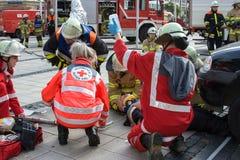 致命交通事故-人被困住 免版税库存照片