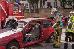 致命交通事故-人被困住 免版税图库摄影