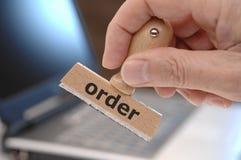 命令被打印的不加考虑表赞同的人 库存照片