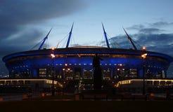 和在Krestovsky海岛上的一个新的体育场 库存图片