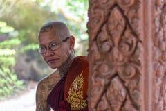 和尚在Preah Ang Thom塔,柬埔寨 库存照片