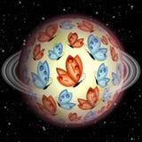 和平不可思议的行星与橙色和蓝色蝴蝶和朦胧的圆环的在黑暗的满天星斗的天空,未知的童话幻想行星 库存图片