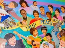 和平世界梦想的孩子  免版税图库摄影