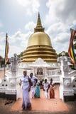 和平塔Stupa Dambulla洞寺庙 金黄寺庙 斯里南卡 免版税图库摄影
