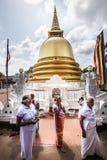 和平塔Stupa Dambulla洞寺庙 金黄寺庙 斯里南卡 库存照片