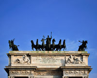 和平曲拱在米兰 免版税库存图片