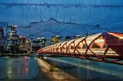 和平桥梁重建 库存图片