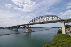 和平桥梁 库存图片