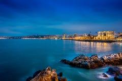 和平的岩石海岸室外美丽的景色在比尼亚德尔马,智利 图库摄影