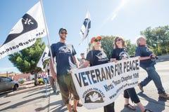 和平的退伍军人在边界抗议游行 库存图片